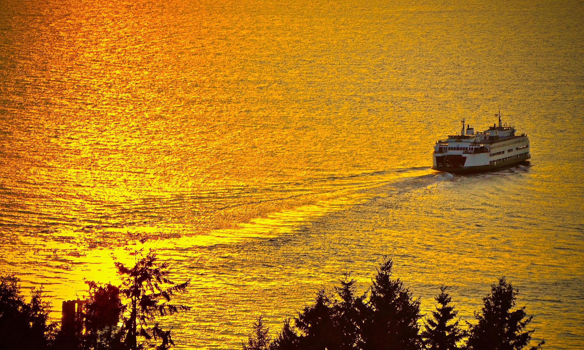 Ferry boat leaving shore